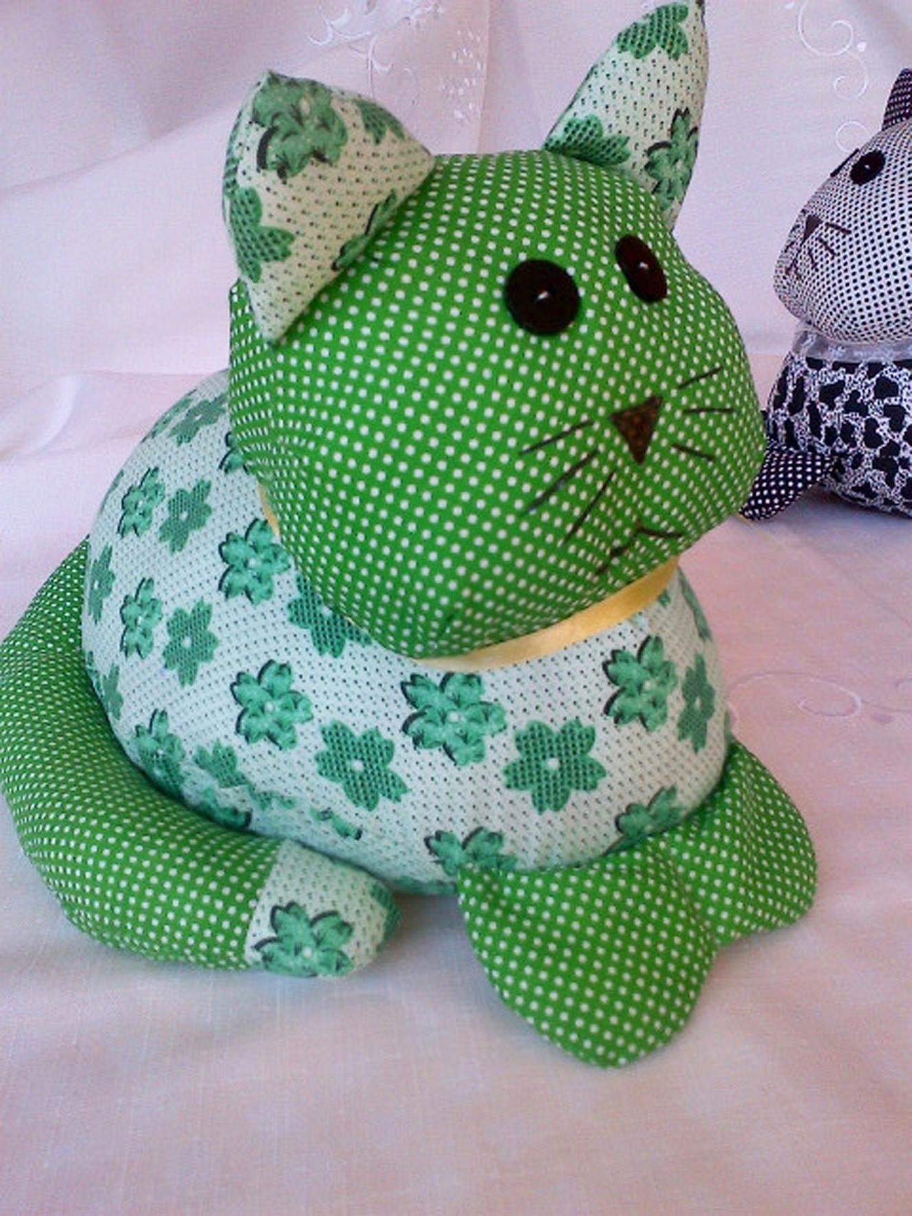 Green Polkadot Cat
